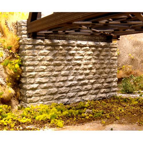 Chooch Enterprises 8450 HO Double-Track Cut Stone Bridge Abutment