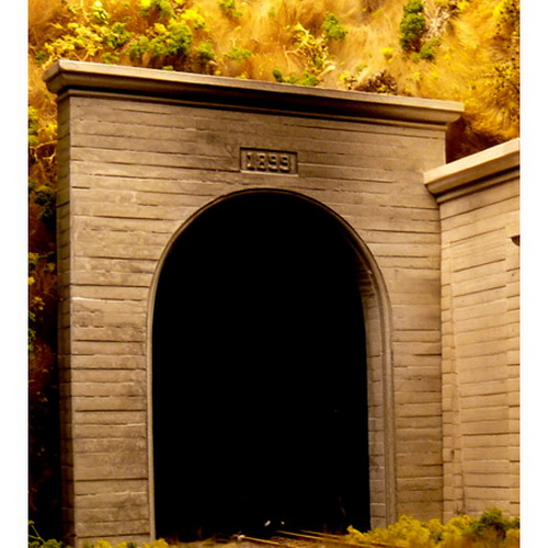 Chooch Enterprises 9720 N Single Track Concrete Tunnel Portal 2-Piece