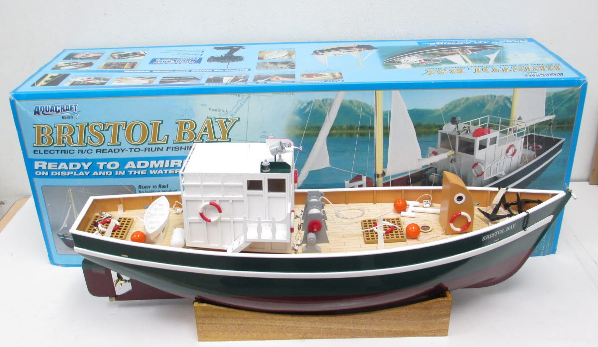 AQUACRAFT AQUB6064 Bristol Bay Trawler RC Fishing Boat EX/Box