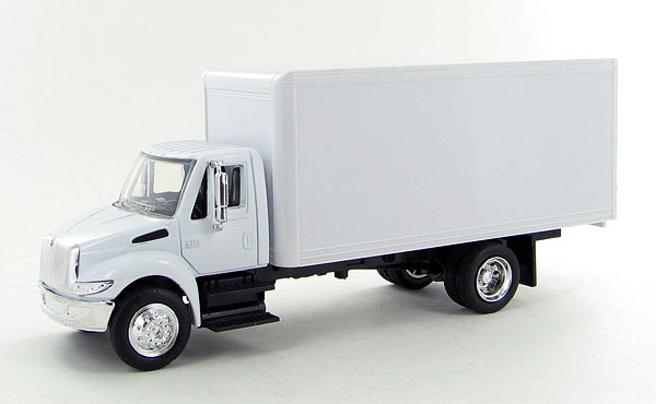 New-Ray SS-15903 1:43 International 4200 White Box Truck