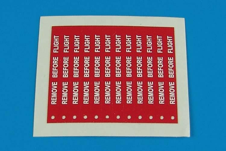 AEROBONUS 320002 1/32 Remove Before Flight Flags White Lettering (Deca