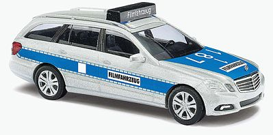 Busch 44264 1:87 Mercedes-Benz E Class T-Model Police 2009 Mercedes-Benz E Class T Modell Station Wagon - Assembled -- Police for Movie Filming (silver, blue, German Lettering)Condition: Factory New (C-9All original; unused; factory rubs and evidence of handling, shipping and factory test run.Standards for all toy train related accessory items apply to the visual appearance of the item and do not consider the operating functionality of the equipment.Condition and Grading Standards are subjective, at best, and are intended to act as a guide. )Operational Status: FunctionalThis item is brand new from the factory.Original Box: Yes (P-9May have store stamps and price tags. Has inner liners.)Manufacturer: BuschModel Number: 44264MSRP: $144.99Scale/Era: HO ModernModel Type: VehiclesAvailability: Ships in 3 to 5 Business Days.The Trainz SKU for this item is P12022097. Track: 12022097 - FS - 001 - TrainzAuctionGroup00UNK - TDIDUNK