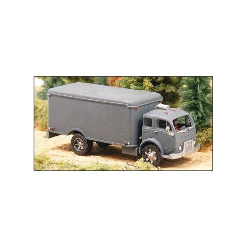 GHQ 56005 1:160 White 3000 Refrigerated Delivery Truck Pewter Kit This is a GHQ 56005 1:160 White 3000 Refrigerated Delivery Truck. Pewter Kit needs assembling and paintingCondition: Factory NewOperational Status: FunctionalThis item is brand new from the factory.Original Box: YesManufacturer: GHQModel Number: 56005MSRP: $17.95Category 1: Model KitsCategory 2: 1:100 (and higher scales)Availability: Ships in 1 Business Day!The Trainz SKU for this item is P12035067. Track: 12035067 - 1015-C (Suite 2740-200)  - 001 - TrainzAuctionGroup00UNK - TDIDUNK