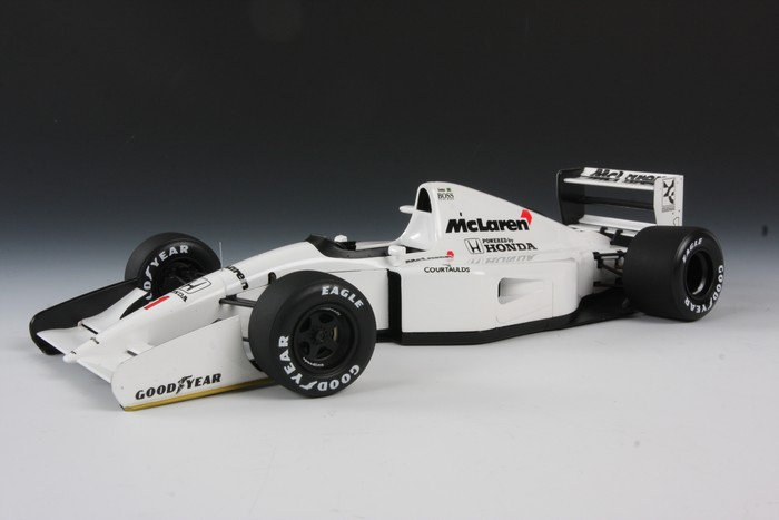 Tamiya 25171 25171, 1/20 McLaren Honda MP4/7 This is a Limited Edition Re-Release of the McLaren Honda MP4/7 Formula One model kit. The original kit was released in late 1992 and it is once again available for a limited time. The full size MP4/7 included a number of technological innovations, including McLaren's first semiautomatic transmission, which was linked to an electronically managed throttle and enabled gear changes without the driver lifting their foot from the pedal. This was married with the newly developed RA122E/B V12 engine from Honda. Although the car was unable to deliver the ultimate goal of a championship, it was still piloted to a highly respectable 5 wins in the 1992 Formula One 1992 season.Condition: Factory NewOperational Status: FunctionalThis item is brand new from the factory.Original Box: YesManufacturer: TamiyaModel Number: 25171MSRP: $48.00Category 1: Model KitsCategory 2: 1:24 ScaleAvailability: Ships in 1 Business Day!The Trainz SKU for this item is P12068190. Track: 12068190 - No Location Assigned - 001 - TrainzAuctionGroup00UNK - TDIDUNK