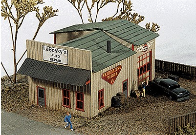 JL Innovative Design 140 N LaBoskys Auto Repair Shop Wooden Kit