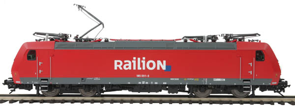 MTH 20-5634-1 RaiLion F140 Electric w/PS3 Command & Sound (Hi-Rail) This is MTH 20-5634-1 F140 Elct w/Snd Hi Railio. TRAXX F140 AC2 electric engine with Proto-Sound 3.0 (hi-rail wheels), Railion European. Cab numbers: 185 085-8, 185 091-6. Since the dawn of the Orient Express in 1883, Europeans have dreamed of a rail network that would transcend national borders. For more than a century, the best that that could be accomplished was the handoff of passenger or freight consists from one national rail system to another, usually stopping at the border to change motive power. Even when most of the continent went to overhead wires to supply motive power, voltage and current were often different from one country to another. Today, however, all that is changing. Sporting service names like EuroCity and slogans like Connecting Europe, electric engines glide seamlessly and swiftly across borders, and carriers offer freight and passenger services that span many nations.With locomotive and car manufacturing facilities on four continents, Bombardier has emerged as a leader in the manufacture of equipment for these multinational rail carriers. Starting with electric locomotive technology developed by German firm Adtranz, which Bombardier acquired in 2001, Bombardier developed the TRAXX family of electric and diesel locomotives for service across Europe. TRAXX electrics feature modular construction and can be configured to run on multiple voltages and both AC and DC. Leading purchasers have included freight carriers with multinational networks, including Cargo, the freight division of the Swiss Federal Railways that runs through Germany, Switzerland, and Italy, and Railion, which spans Denmark, the Netherlands, Germany, Switzerland, and Italy.The TRAXX electric offers a near-perfect combination of speed, safety, and practicality. Its streamlined shape is designed for aerodynamics but also for economical construction, being composed almost entire