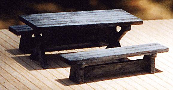 B.T.S. 23018 HO Logger (Picnic) Table Kit