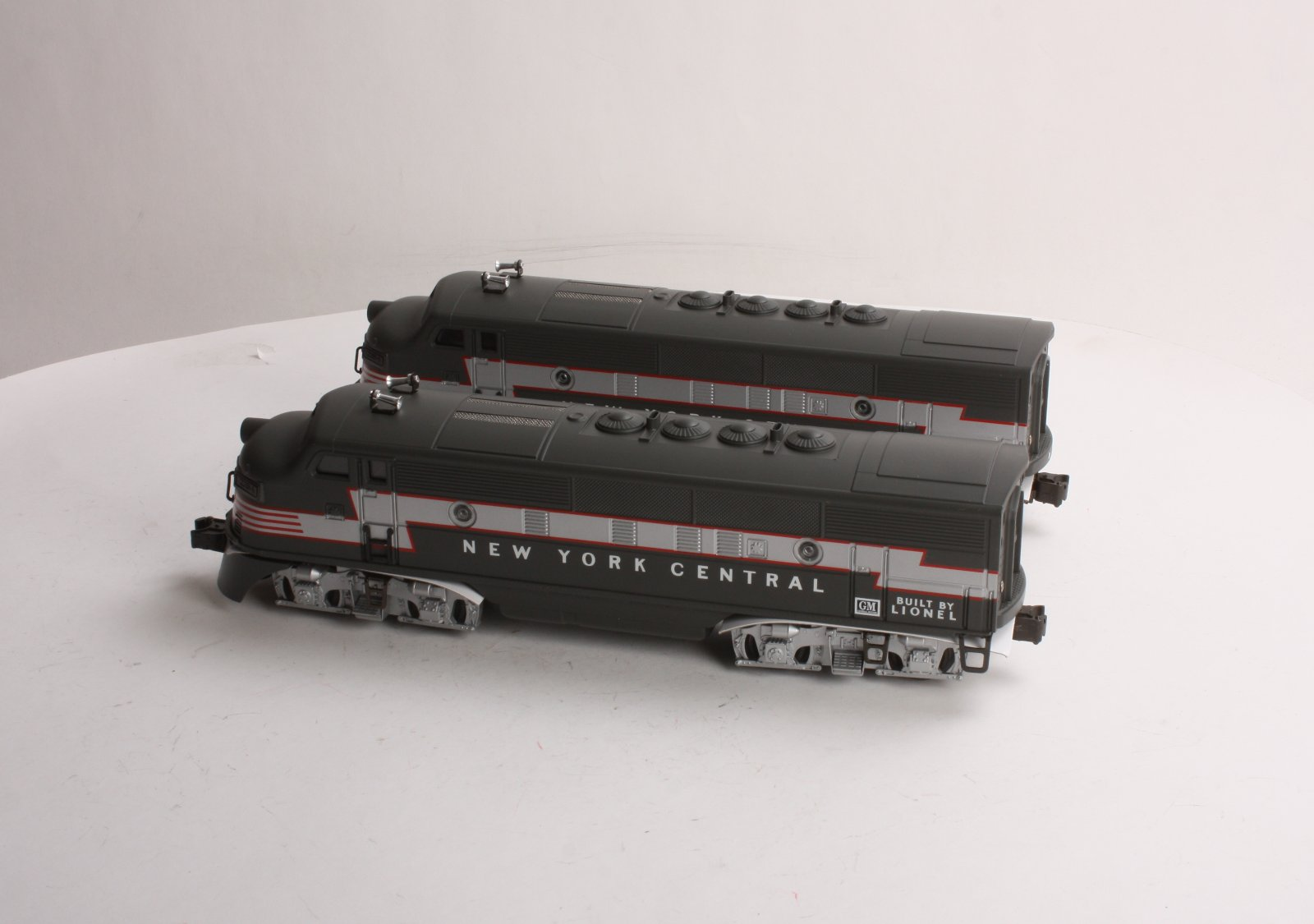 Lionel 6 38368 NYC F3 AA Diesel Set Archive Version With Red Lightning Stripe