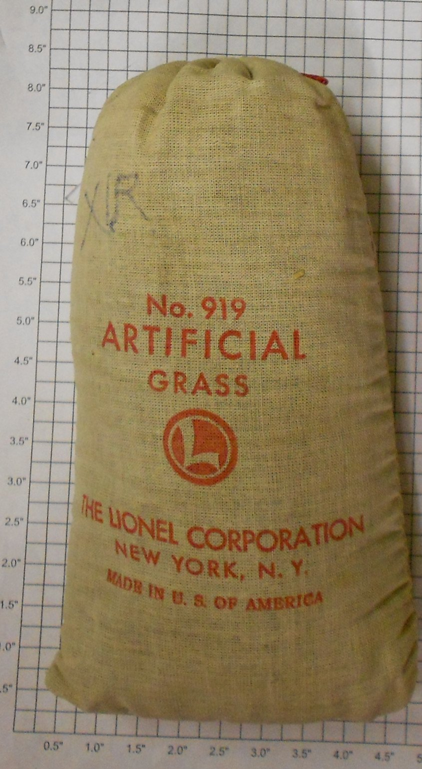 Lionel 919 Bag of Artificial Grass This is a Bag of Lionel 919 Artificial Grass from 1946-64. During the early postwar era, Lionel offered a limited number of scenery related products to it's customers for their layouts. The artifical grass was a prewar carryover item and was simply colored sawdust packaged in a Lionel cloth bag.Condition: Part (N/ATrainz does not provide grading for parts.Standards for all toy train related accessory items apply to the visual appearance of the item and do not consider the operating functionality of the equipment.Condition and Grading Standards are subjective, at best, and are intended to act as a guide. )Operational Status: FunctionalThis part is in workable condition.Original Box: NoManufacturer: LionelModel Number: 919Years Manufactured: 1946 - 1964Category 1: PartsCategory 2: O ScaleAvailability: Ships in 3 Business Days!We are unable to provide parts lookup service or fitment assistance.The Trainz SKU for this item is P11402814. Track: 11402814 - Parts (33top) - 001 - TrainzAuctionGroup00UNK - TDIDUNK