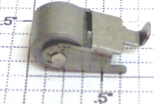 LIONEL 9050-150 ROLLER PICK ASSEMBLY FOR PLASTIC FREIGHT TRUCKS