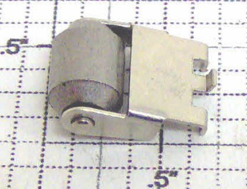MPC Collector Roller & Bracket Assembly - Lionel 8209-165