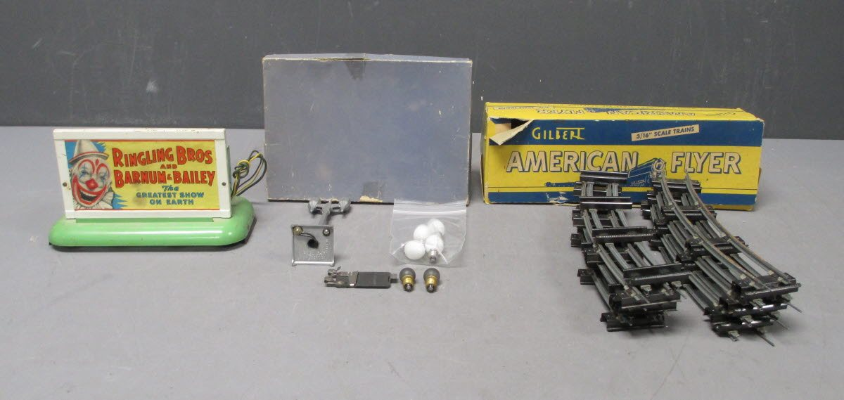 American Fliegener O Scale Assorted Postwar Accessories; 580, 702, 577